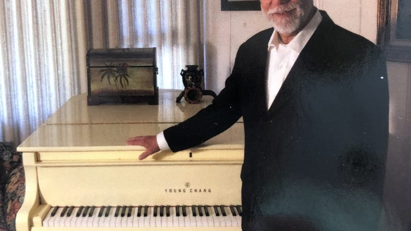 Karl Lindauer about his piano songs